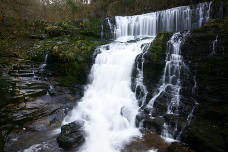 Sgwd Isaf Clun-Gwyn (Lower Falls of the White Meadow)